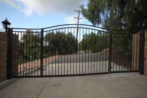 Double swing driveway gate Anaheim Hills